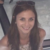 Fun, friendly, Native English teacher with more than 6 years experience giving classes in Barcelona. Fluent in Spanish.