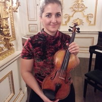 Profesora de violín en BCN- graduada en el Royal College of Music, Londres