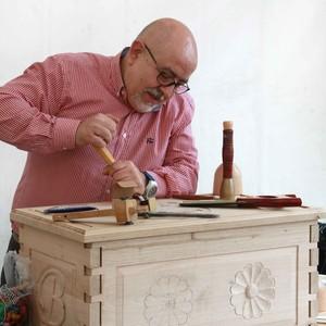 Juan vicente torrelavega cantabria cursos de talla de for Muebles torrelavega