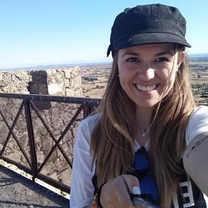 Ainhoa Valladolidvalladolid Estudiante De Periodismo Apoyo