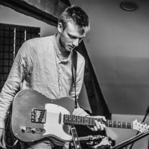 Curso avanzado de guitarra acustica gratis