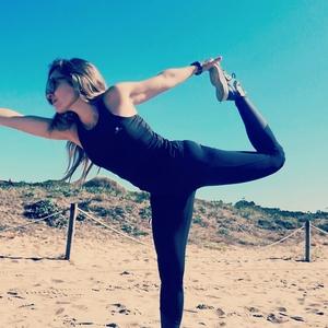 Claudia Gavà Barcelona Personal Training Instructora De Fitness Y Entrenamiento Funcional Clases Al Aire Libre